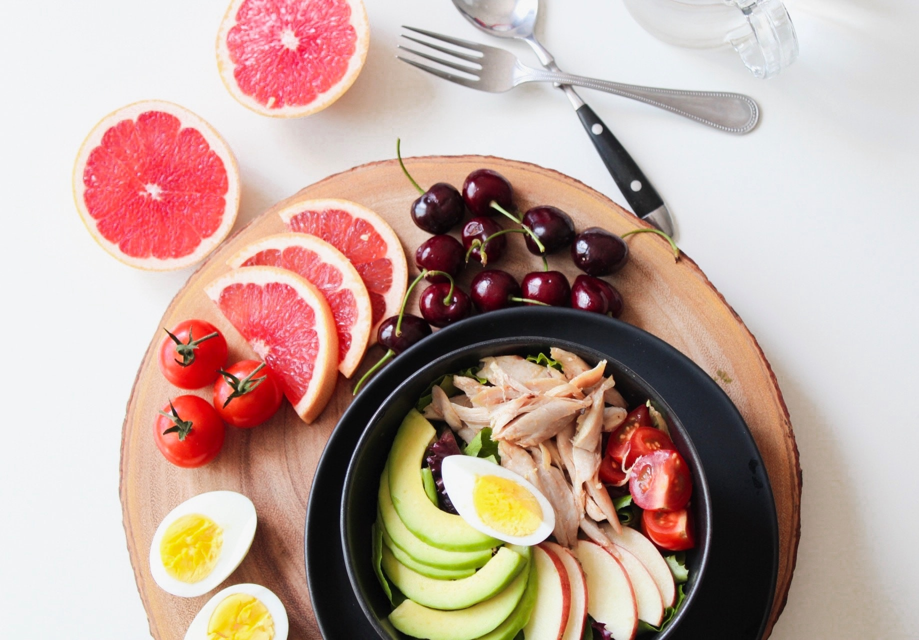 plate full of healthy fruits